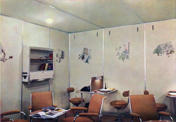 LZ-129 Writing Room